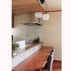 既存の家具、建具を活かした味わいのあるリビングリフォーム