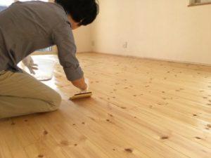 木、塗装、自然素材