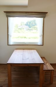 ダイニングテーブルからの眺め