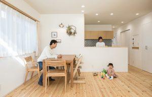 コミュニケーションが取れる対面式のキッチン