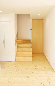 土間からリビング階段へ