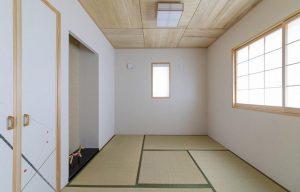 季節のしつらえを飾る床の間