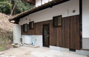 焼杉貼りの外壁
