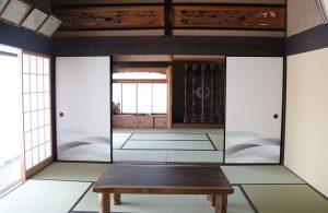 畳を新調した2間続きの和室